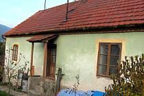 STŘÍPKY HISTORIE. Na Klepáčovské ulici stála kolonie dělnických domků železáren. Dnes je posledním dochovaným dělnickým domkem z konce 19. století dům na Žižkově ulici č. 226/3.