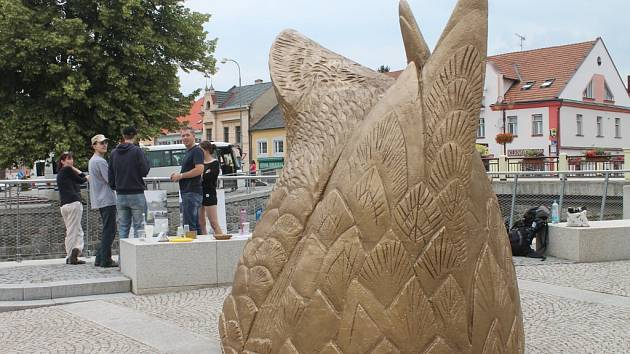 Nábřeží Svitavy v Letovicích ozdobila socha kachny.
