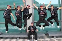 Úspěšná taneční skupina The Expendables.