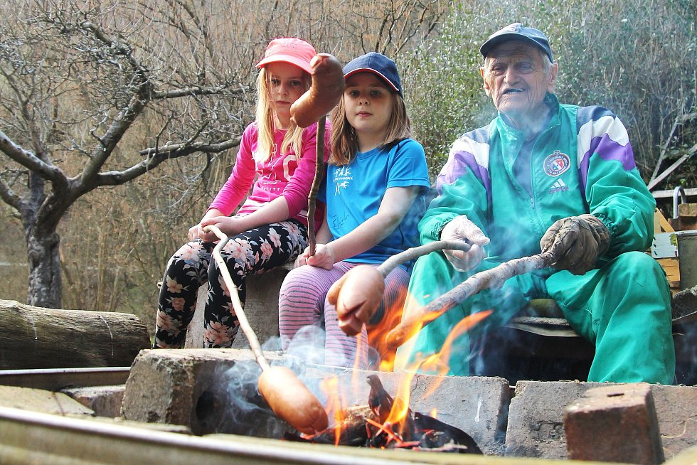 Na chatu k řece Svitavě jezdí František Novák z Adamova celý rok. Je tu krásně, říká důchodce.
