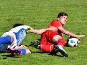 Utkání fotbalové divize D Slavoj Polná (světlé dresy) - FK Blansko skončilo nerozhodně 0:0.