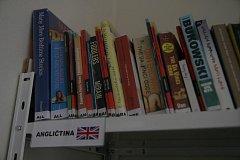 Cizojazyčné centrum v blanenské knihovně.
