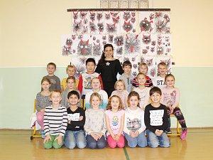 Žáci 1.B ze ZŠ Dvorská v Blansku s paní učitelkou Ivanou Klimešovou.