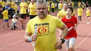 Sedmý You Dream We Run odstartoval