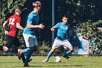 Fotbalisty Boskovic (v modrém) čeká v pátek první utkání krajského přeboru, když doma přivítají Svratku Brno zřejmě i se dvěma hvězdami v základní sestavě.