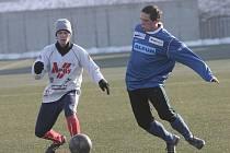 Fotbalisté Blanska (v bílém) na zimním turnaji v Líšni - ilustrační foto.