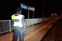 Tragická nehoda na železnici v Rájci-Jestřebí si vyžádala dva lidské životy.