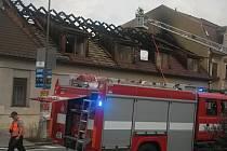 Požár střechy domu v Boskovicích.