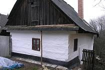 Újezd u Kunštátu, objekt drobného rolníka v průběhu památkové obnovy.