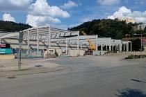 Společnost Eden Europe přistavuje ve svém areálu nové logisticko skladovací prostory.
