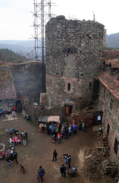 Nový hrad u Adamova.