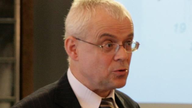 Křtinský zámek hostil dva dny mezinárodní konferenci. Hlavním bodem diskusí byla situace na trhu práce v Jihomoravském kraji na pozadí světové finanční a hospodářské krize.