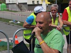 Ředitel Vysočanského triatlonu Zdeněk Přibyl při loňském ročníku.