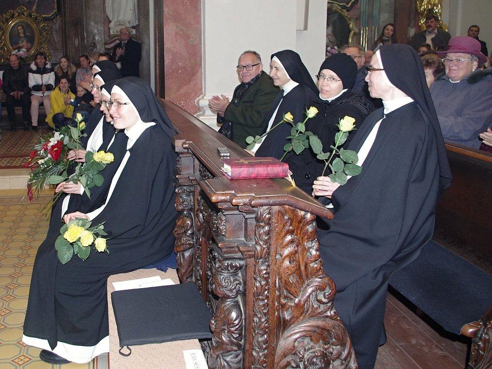 Po téměř třiceti letech se znojemští farníci loučili s dominikánskými mniškami, které odchází do Uherského Brodu.