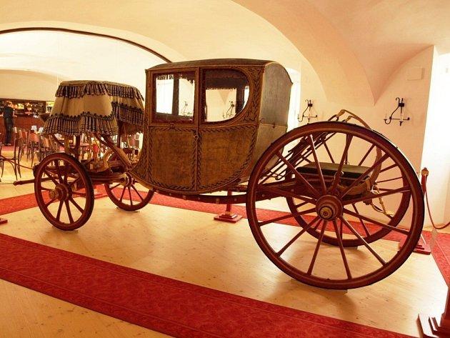 Kočár z Lysic bude do října k vidění na Pražském hradě.
