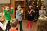 Adamovské děti bavily ve školce rodiče. Na vánoční besídce.