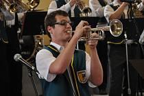 Na Mezinárodním festivalu dechových orchestrů Letovice 2013 o víkendu zahrály stovky muzikantů. V neděli zahrají i kapely ze Slovenska, Maďarska a Polska.