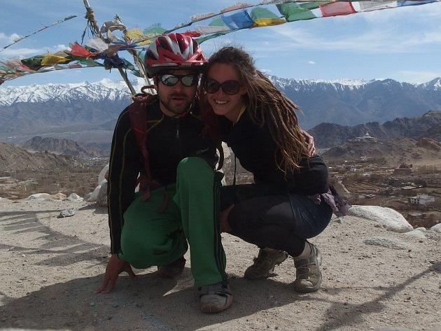Petra Štichová a Daniel Dvořák učili děti ve škole v indické oblasti Malý Tibet.