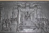 Litinová kamnová deska je impozantní. Měří sto šedesát centimetrů a váží třináct a půl kila. Návštěvníci Muzea Blansko si ji mohou prohlédnout na čestném místě v expozici Dekorativní a umělecká litina 19. a 20. století.