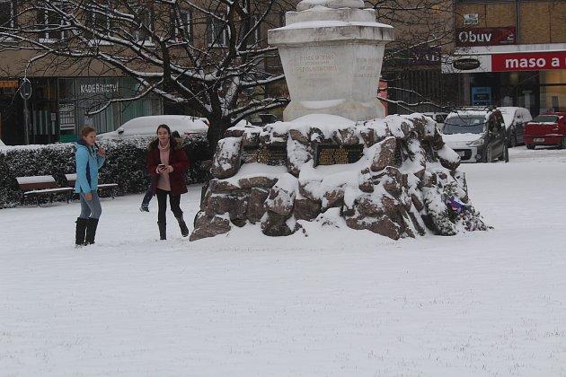 Blansko v úterý přikryla sněhová peřina.