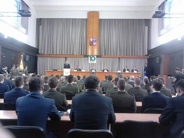 Prezident Miloš Zeman diskutoval se studenty Univerzity obrany.