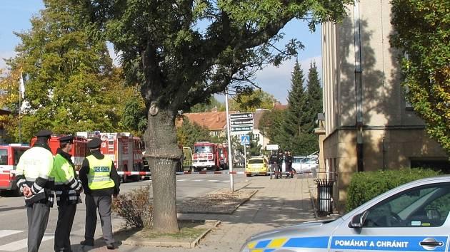 Policisté museli například evakuovat Střední školu André Citroëna v Boskovicích.