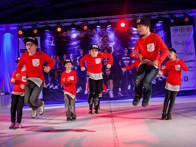 Taneční škola Patrika Oujezského Body Rockers z Boskovic sbírá úspěchy na domacích i evropských soutěžích. Před několika dny například obsadili třetí místo v kategorii break dance na mistrovství Evropy v Ostravě.