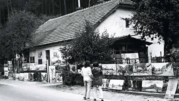Galerie na plotě malíře Zdeňka Táborského.