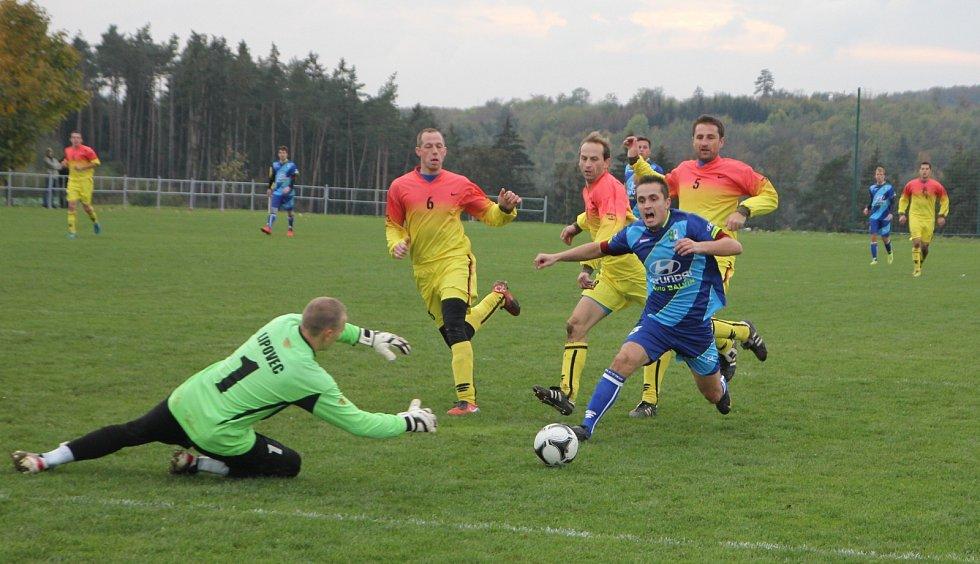 Fotbalisté Lipovce vyhráli derby ve Vilémovicích 1:0.