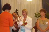 Soutěže Eurobabička se zúčastnila i Miluše Pospíšilová z Jedovnic (na snímku uprostřed).