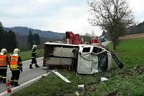 Dodávka u Černé Hory skončila v příkopu.