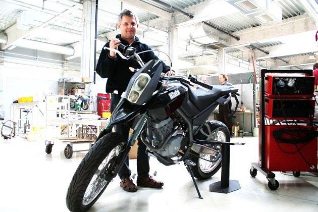 Pavel Blata s novou motorkou