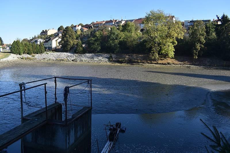 V sobotu vylovili rybáři rybník Dymák na okraji Jedovnic.