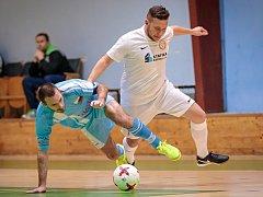 Ve futsalové divizi porazil PRO-STATIC Blansko (v bílém) San Marino Dolní Loučky 11:7.