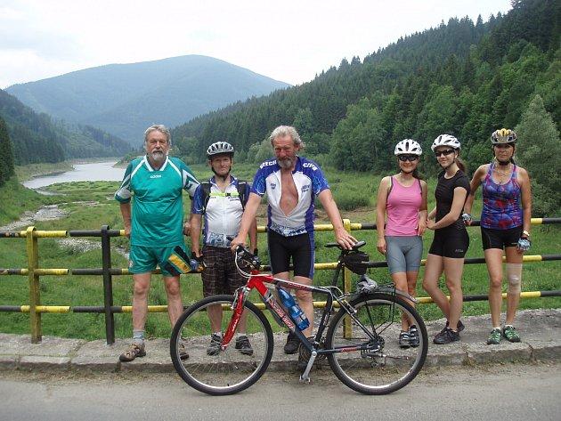Klepačovská skupina cyklistů vyráží na kolech každou druhou sobotu v měsíci.