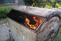 Požár kontejneru. Ilustrační foto