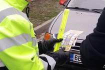 Kontrolovat, zda si řidiči už přezuli pneumatiky, vyrazili ve středu policisté do Ráječka na Blanensku. Při akci zkontrolovali dvě desítky aut. Bez zimní výbavy nevyjel jediný řidič.