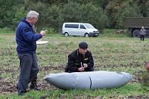Spadlá nádrž z letadla u Drnovic.