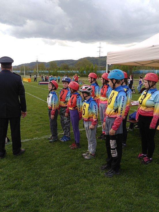 Mladí hasiči z Borotína.