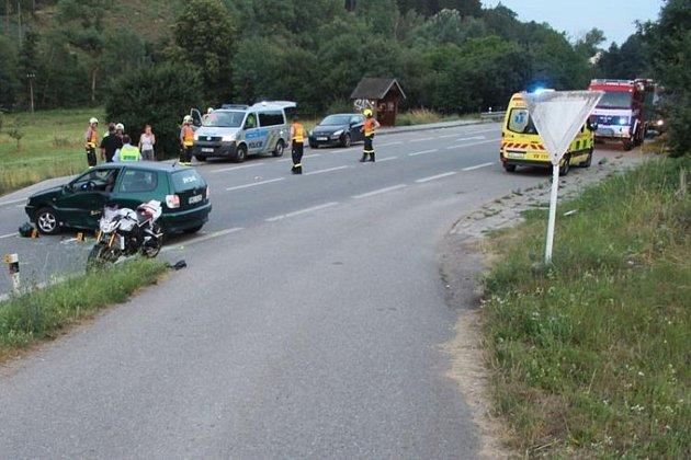 Lidský život si vyžádala nehoda, která se stala vneděli večer na silnici I/43 uSvitávky.