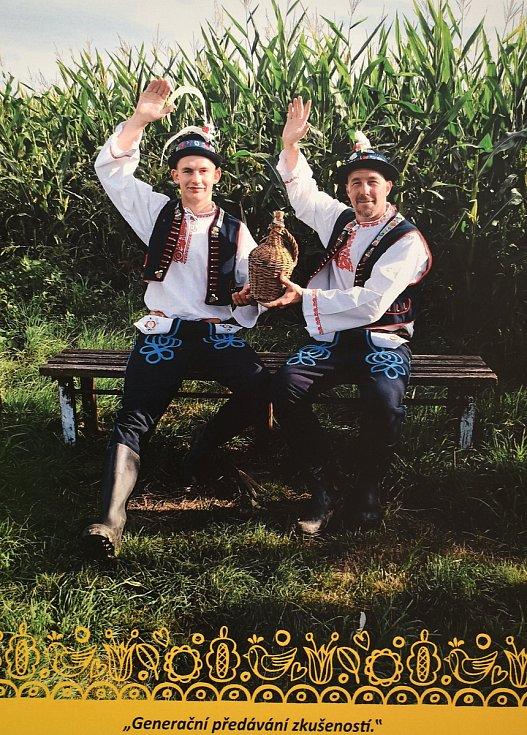 Hráči malé kopané z klubu Celtic Újezd u Boskovic nafotili charitativní kalendář.