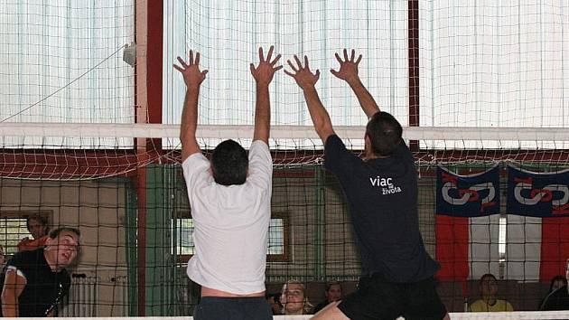 Plácači Modřice obhájili v sobotu na volejbalovém Burčák Cák Cupu první místo z loňského roku.