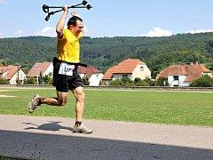 Moravský ultramaraton vyhrál brněnský vytrvalec Daniel Orálek. V ženách Zdeňka Komárková. Poslední Cimrmanova etapa patřila i do Okresní běžecké ligy.
