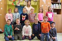 Žáci první třídy Základní školy Doubravice nad Svitavou.