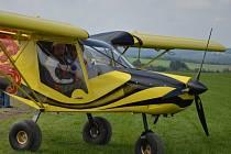 V sobotu do Kotvrdovic přiletěli piloti ultralehkých letadel. Na tamním letšiti se konal tradiční den otevřených dveří.