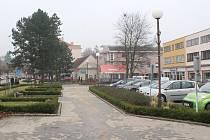 Část Masarykova náměstí v Letovicích před radnicí čeká rekonstrukce.