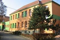 Budova základní školy v Krumvíři oslavila v letošním roce už sto let od doby, kdy se v ní začalo vyučovat.