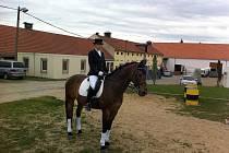 Hana Mikulecká na svém koni Ricky Boy.
