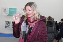 V Kurdějově vybírali v sobotu odpoledne milovníci vín z bohaté nabídky vzorků. Na Kurdějovském okusu vín je však nekoštovali, ale okoušeli.