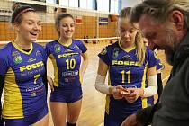 Žákyně Lokomotivy Fosfa Břeclav měly v letošní sezoně často důvod k úsměvu. O vrchol sezony v podobě finálového turnaje Českého poháru však vinou epidemie koronaviru přišly. Foto: David Korda